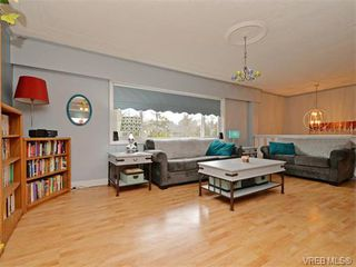 Photo 2: 1209 Alan Rd in VICTORIA: SW Layritz Single Family Detached for sale (Saanich West)  : MLS®# 751985