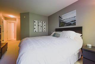 "Photo 10: 302 400 KLAHANIE Drive in Port Moody: Port Moody Centre Condo for sale in ""TIDES"" : MLS®# R2170542"