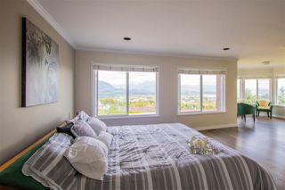 Photo 10: 2743 NADINA Drive in Coquitlam: Coquitlam East House for sale : MLS®# R2186649