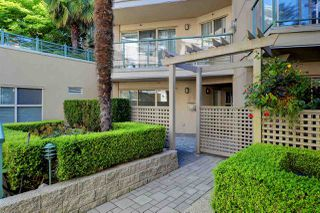 "Photo 2: C1 332 LONSDALE Avenue in North Vancouver: Lower Lonsdale Condo for sale in ""The Calypso"" : MLS®# R2198607"