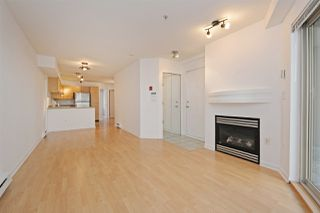 "Photo 4: C1 332 LONSDALE Avenue in North Vancouver: Lower Lonsdale Condo for sale in ""The Calypso"" : MLS®# R2198607"