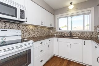 Photo 10: 17 10145 Third Street in SIDNEY: Si Sidney North-East Townhouse for sale (Sidney)  : MLS®# 382523