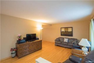 Photo 2: 400 Newman Avenue West in Winnipeg: West Transcona Residential for sale (3L)  : MLS®# 1801466