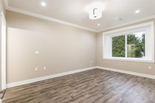 Photo 11: 5550 HALLEY Avenue in Burnaby: Central Park BS 1/2 Duplex for sale (Burnaby South)  : MLS®# R2234357