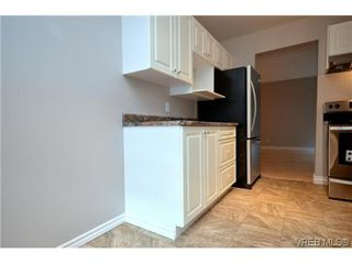 Photo 10: 106 1014 Rockland Avenue in VICTORIA: Vi Downtown Residential for sale (Victoria)  : MLS®# 322905