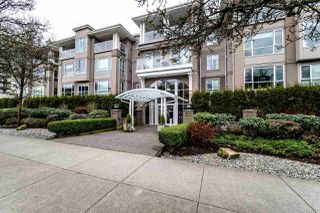 "Photo 1: 113 155 E 3RD Street in North Vancouver: Lower Lonsdale Condo for sale in ""The Solano"" : MLS®# R2244592"