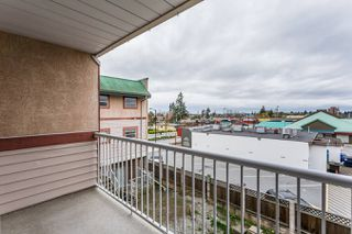 Photo 14: 327 22661 Lougheed Highway in Maple Ridge: East Central Condo for sale : MLS®# R2256005