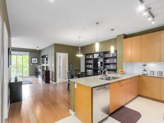 Photo 8: 310 101 MORRISSEY Road in Port Moody: Port Moody Centre Condo for sale : MLS®# R2272891