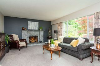 Photo 2: 2263 PARK Crescent in Coquitlam: Chineside House for sale : MLS®# R2277200