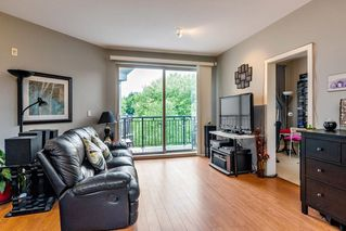 Photo 2: 401 10499 UNIVERSITY Drive in Surrey: Whalley Condo for sale (North Surrey)  : MLS®# R2278362