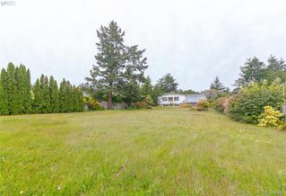 Photo 17: 8591 Lochside Drive in NORTH SAANICH: NS Bazan Bay Single Family Detached for sale (North Saanich)  : MLS®# 394098
