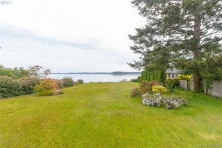 Photo 4: 8591 Lochside Drive in NORTH SAANICH: NS Bazan Bay Single Family Detached for sale (North Saanich)  : MLS®# 394098