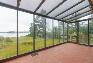 Photo 12: 8591 Lochside Drive in NORTH SAANICH: NS Bazan Bay Single Family Detached for sale (North Saanich)  : MLS®# 394098