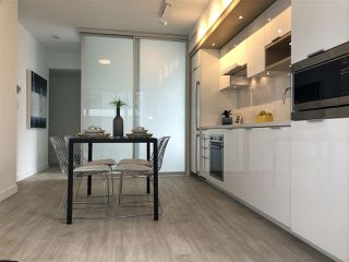 "Photo 9: 908 1661 QUEBEC Street in Vancouver: Mount Pleasant VE Condo for sale in ""Voda"" (Vancouver East)  : MLS®# R2284074"