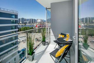 "Photo 3: 908 1661 QUEBEC Street in Vancouver: Mount Pleasant VE Condo for sale in ""Voda"" (Vancouver East)  : MLS®# R2284074"