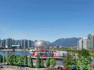 "Photo 2: 908 1661 QUEBEC Street in Vancouver: Mount Pleasant VE Condo for sale in ""Voda"" (Vancouver East)  : MLS®# R2284074"