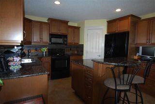 Photo 8: 720 Butterworth Drive in Edmonton: Zone 14 House for sale : MLS®# E4144106