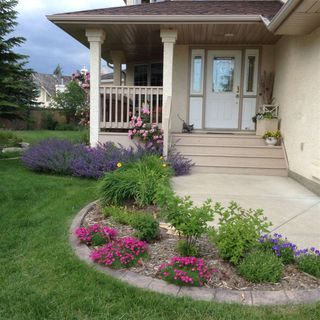Photo 3: 720 Butterworth Drive in Edmonton: Zone 14 House for sale : MLS®# E4144106