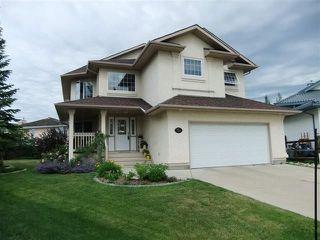 Photo 2: 720 Butterworth Drive in Edmonton: Zone 14 House for sale : MLS®# E4144106
