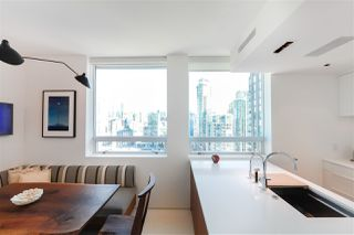 "Photo 6: 2702 638 BEACH Crescent in Vancouver: Yaletown Condo for sale in ""THE ICON 1"" (Vancouver West)  : MLS®# R2345458"