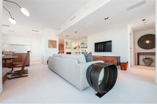 "Photo 3: 2702 638 BEACH Crescent in Vancouver: Yaletown Condo for sale in ""THE ICON 1"" (Vancouver West)  : MLS®# R2345458"
