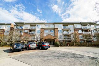 Main Photo: 207 15895 84 Avenue in Surrey: Fleetwood Tynehead Condo for sale : MLS®# R2351338