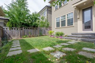 """Photo 19: 3427 ROSEMARY HEIGHTS Drive in Surrey: Morgan Creek House for sale in """"Solo"""" (South Surrey White Rock)  : MLS®# R2351985"""