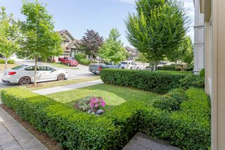 """Photo 3: 3427 ROSEMARY HEIGHTS Drive in Surrey: Morgan Creek House for sale in """"Solo"""" (South Surrey White Rock)  : MLS®# R2351985"""