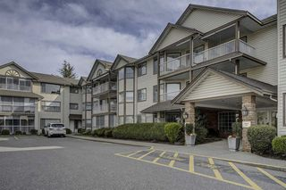 "Photo 1: 306 32145 OLD YALE Road in Abbotsford: Abbotsford West Condo for sale in ""CYPRESS PARK"" : MLS®# R2351465"