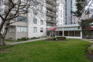 "Photo 3: 302 1251 CARDERO Street in Vancouver: Downtown VW Condo for sale in ""SURFCREST"" (Vancouver West)  : MLS®# R2352438"
