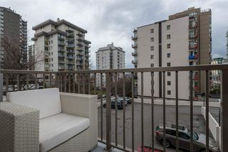 "Photo 11: 302 1251 CARDERO Street in Vancouver: Downtown VW Condo for sale in ""SURFCREST"" (Vancouver West)  : MLS®# R2352438"