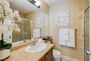 "Photo 15: 22 6238 192 Street in Surrey: Cloverdale BC Townhouse for sale in ""Bakerview Terrace"" (Cloverdale)  : MLS®# R2351464"