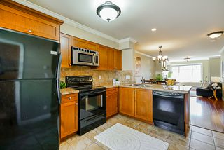"Photo 11: 22 6238 192 Street in Surrey: Cloverdale BC Townhouse for sale in ""Bakerview Terrace"" (Cloverdale)  : MLS®# R2351464"