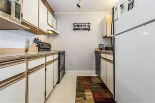 """Photo 10: 17 45640 STOREY Avenue in Sardis: Sardis West Vedder Rd Townhouse for sale in """"Whispering Pines"""" : MLS®# R2353879"""