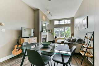 "Photo 1: 12 232 TENTH Street in New Westminster: Uptown NW Townhouse for sale in ""Cobblestone Walk"" : MLS®# R2369049"
