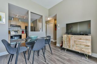 "Photo 3: 12 232 TENTH Street in New Westminster: Uptown NW Townhouse for sale in ""Cobblestone Walk"" : MLS®# R2369049"