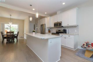 Photo 3: 123 1064 Gala Court in VICTORIA: La Happy Valley Row/Townhouse for sale (Langford)  : MLS®# 411118