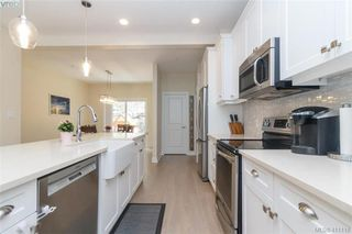 Photo 2: 123 1064 Gala Court in VICTORIA: La Happy Valley Row/Townhouse for sale (Langford)  : MLS®# 411118