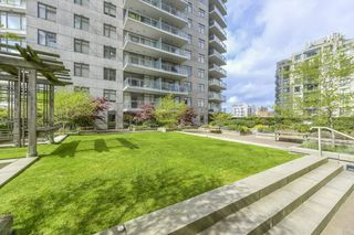 "Photo 10: 1005 892 CARNARVON Street in New Westminster: Downtown NW Condo for sale in ""AZURE 2"" : MLS®# R2372507"