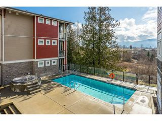 "Photo 2: 410 2242 WHATCOM Road in Abbotsford: Abbotsford East Condo for sale in ""~The Waterleaf~"" : MLS®# R2372629"