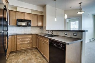 Photo 6: 451 26 VAL GARDENA View SW in Calgary: Springbank Hill Apartment for sale : MLS®# C4248066