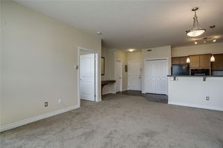 Photo 9: 451 26 VAL GARDENA View SW in Calgary: Springbank Hill Apartment for sale : MLS®# C4248066