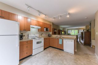 """Photo 9: 2 20761 DUNCAN Way in Langley: Langley City Townhouse for sale in """"WYNDHAM LANE"""" : MLS®# R2379192"""