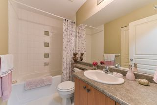 """Photo 14: 2 20761 DUNCAN Way in Langley: Langley City Townhouse for sale in """"WYNDHAM LANE"""" : MLS®# R2379192"""