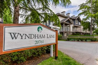 """Photo 1: 2 20761 DUNCAN Way in Langley: Langley City Townhouse for sale in """"WYNDHAM LANE"""" : MLS®# R2379192"""