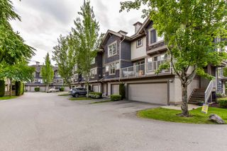 """Photo 3: 2 20761 DUNCAN Way in Langley: Langley City Townhouse for sale in """"WYNDHAM LANE"""" : MLS®# R2379192"""