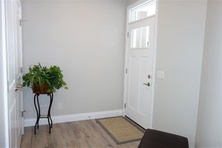 Photo 2: 2807 200 Street in Edmonton: Zone 57 House for sale : MLS®# E4161358