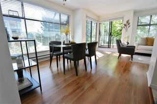 Photo 5: 304 1702 CHESTERFIELD Avenue in North Vancouver: Central Lonsdale Condo for sale : MLS®# R2382926