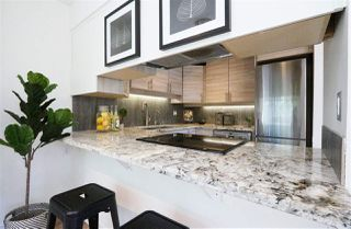 Photo 10: 304 1702 CHESTERFIELD Avenue in North Vancouver: Central Lonsdale Condo for sale : MLS®# R2382926