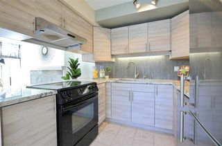 Photo 12: 304 1702 CHESTERFIELD Avenue in North Vancouver: Central Lonsdale Condo for sale : MLS®# R2382926